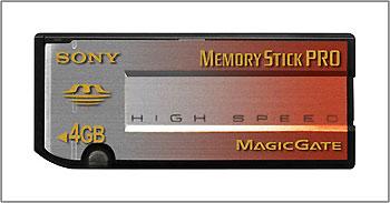 Thẻ nhớ 4 Gb của hãng Sony.
