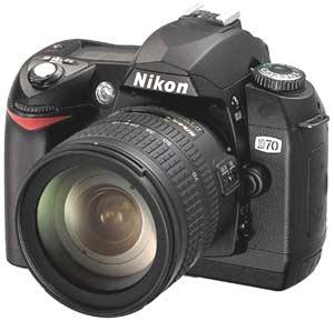 D70 của Nikon - máy ảnh số SLR tốt nhất năm 2004.