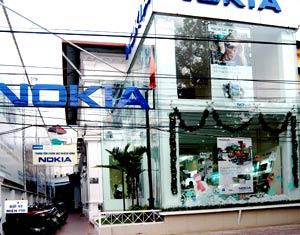 Một Nokia store tại 18 Điện Biên Phủ. Ảnh: Hoàng Hà.
