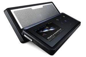 Samsung YP-K5 dáng trượt. Ảnh: Cnet.