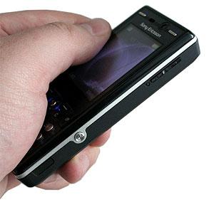 Thân máy mỏng. Ảnh: Mobile-review.