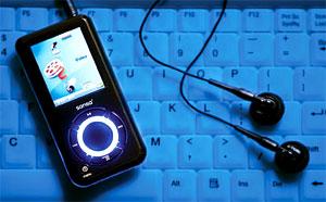 Nhưng bên cạnh đó, người dùng có thể sử dụng như một thiết bị lưu trữ hay hỗ trợ cá nhân đắc lực. Ảnh: Hometheatermag.