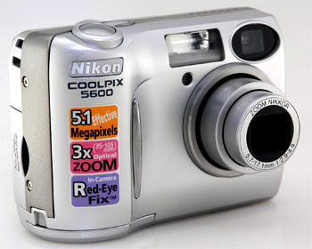 Nên chọn máy có zoom quang lớn. Ảnh: Easy digital camera.