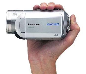 Panasonic HDC-SD1 ghi video độ nét cao vào thẳng thẻ SD. Ảnh: Ecoustics.