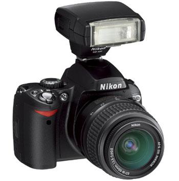 D40x có thể sử dụng với 4 loại ống kính khác nhau. Ảnh: Cnet.