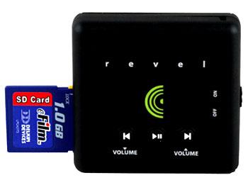 Dùng khe cắm thẻ nhớ để mở rộng dung lượng máy. Ảnh: Techepics.
