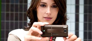Sony Ericsson K770 có màu nâu. Ảnh: Mobilewhack.