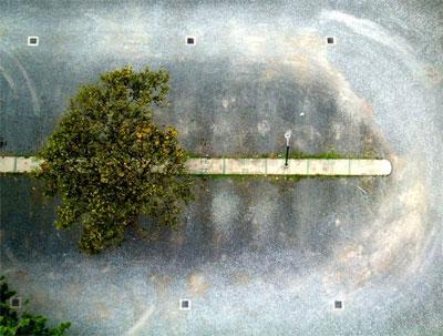 Bãi đỗ xe. Tác giả: Jose Pablo Anleu. Máy: HP Photosmart 735. Địa điểm: Guatemala.