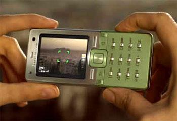 Máy ảnh 3,2 Megapixel. Ảnh: Dialaphone.