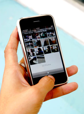 iPhone là 'thần tài' của Apple trong thời gian qua. Ảnh: Hoàng Hà.