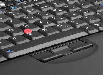 Không có touchpad, X61 được trang bị trackpoint màu đỏ để di chuột. Ảnh: Biosmagazine.