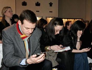 Giới doanh nhân là những khách hàng trung thành của PDA. Ảnh: Viewimages.