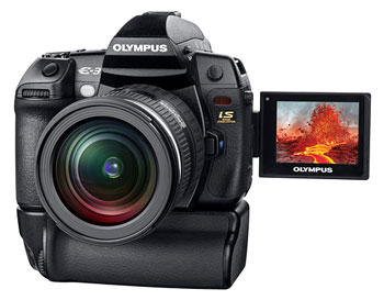 Màn hình LCD 2,5 inch của Olympus E-3 có khả năng xoay, lật. Ảnh: Letsgodigital.