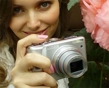 Panasonic Lumix DMC-LZ7 có ống kính zoom quang 6x. Ảnh: Pma-show.