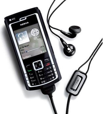 Nokia N72 hỗ trợ chơi nhạc. Ảnh: Techtickerblog.