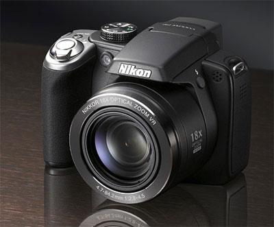 Nikon Coolpix P80 là một trong những chiếc máy ảnh có ống kính zoom quang 18x nhỏ và nhẹ nhất hiện nay. Ảnh: Letsgodigital.