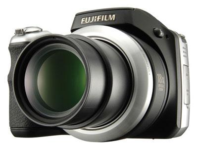 Fujifilm FinePix S8100fd là thế hệ kế tiếp của S8000fd ra mắt năm ngoái. Ảnh: Cdinfo.