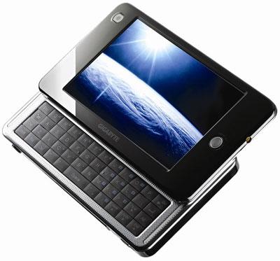 Gigabyte M528 - thiết bị kết nối Internet di động có màn hình 4,8 inch và hỗ trợ khe cắm SIM điện thoại. Ảnh: Reghardware.