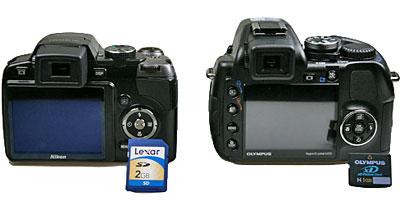 P80 sử dụng thẻ SD còn SP-570UZ nhận thẻ xD-Picture Card. Ảnh: Cnet.