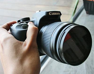 Tốc độ hoạt động của Canon EOS 1000D tỏ ra vượt trội so với các đối thủ cùng tầm. Ảnh: Cnet.