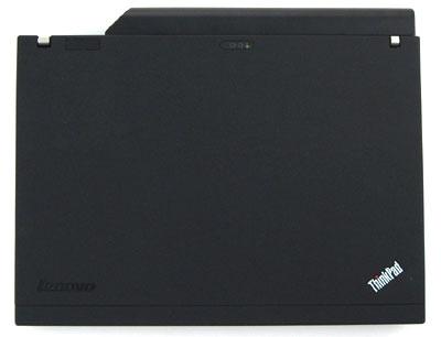 X200 với pin 9 cell, cho thời lượng hoạt động tới gần 8 tiếng. Ảnh: NotebookReview.