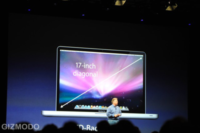 Chỉ có MacBook Pro 17 inch ra mắt mà không có iPhone hay netbook. Ảnh: Gizmodo.