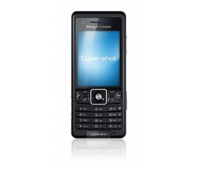 Sony Ericsson C510 có thiết kế dạng thanh. Ảnh: Cnet.