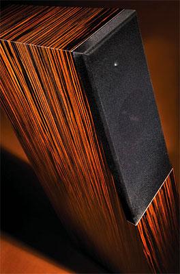 Vandersteen Quatro Wood giá 11.000 USD. Ảnh: Stereophile.
