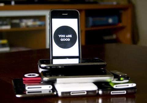 iPhone 3GS vẫn chưa thể unlock được. Ảnh: Gizmodo.