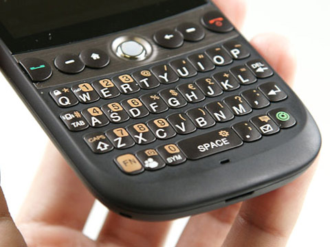 Bàn phím của Snap dễ sử dụng. Ảnh: Cnet.
