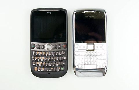 Snap bên cạnh Nokia E71. Ảnh: Cnet.