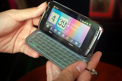 Touch Pro 2 là điện thoại doanh nhân mới của HTC. Ảnh: Quốc Huy.