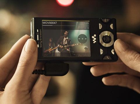 W995 là model đáng giá nhất của Sony Ericsson trong mùa hè. Ảnh: Sony Ericsson.