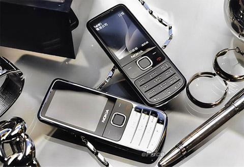 Nokia 6700 Classic có thiết kế của điện thoại cao cấp. Ảnh: Eprice.