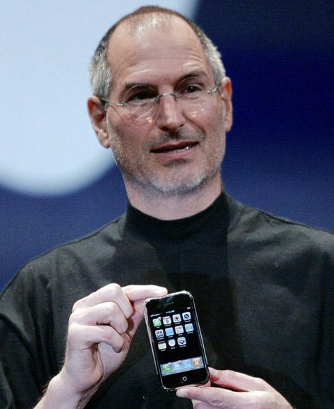 Apple có thể chi trả tới 1 tỷ USD cho 34 triệu iPhone đã bán. Ảnh: Reuters.