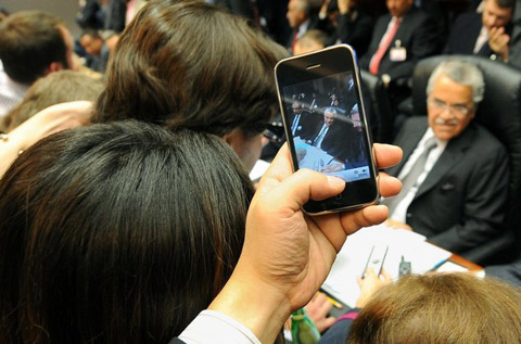 iPhone hiện là smartphone có thị phần lớn dần. Ảnh: Getty.