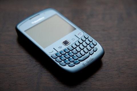 BlackBerry Curve 8520 với trackpad cảm ứng. Ảnh: Gizmodo.