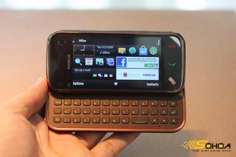 N97 Mini có nhiều cải tiến dù là bản rút gọn. Ảnh: Quốc Huy.