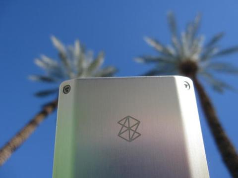 Zune HD sẽ chơi được định dạng XivD và có tính năng lập danh sách như iPod Touch. Ảnh: Cnet.