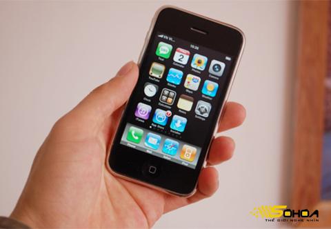 iPhone 3G, một trong số những model hot ở Việt Nam. Ảnh: Quốc Huy.