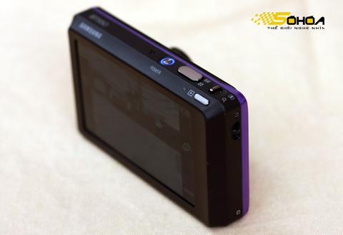 ST550 có thiết kế tạo cảm giác chắc chắn cho người sử dụng. Ảnh: Tuấn Hưng.