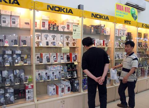 Nokia giảm giá gần 30 model. Ảnh: Quốc Huy.