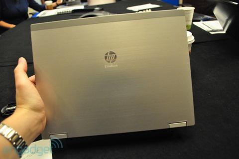 EliteBook 2540p với vỏ làm bằng hợp kim siêu bền. Ảnh: Engadget.