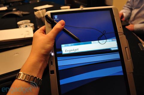 EliteBook 2740p có màn hình cảm ứng đa điểm điện dung. Ảnh: Engadget.