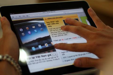 """iPad đang là """"cơn sốt"""" mới mà Apple tạo ra. Ảnh: Quốc Huy."""