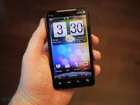 Ảnh mở hộp HTC EVO 4G.
