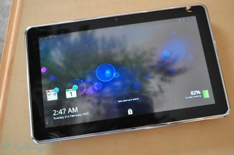 Mẫu tablet chạy MeeGo của Intel. Ảnh: Engadget.