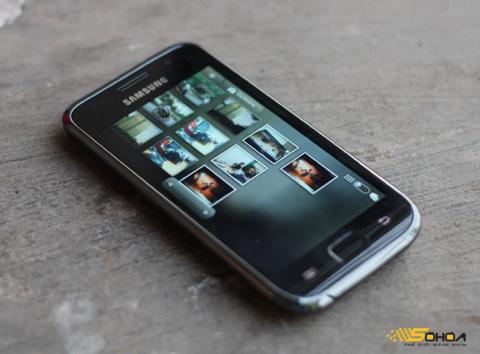 Galaxy S I9000 chính hãng không về Việt Nam. Ảnh: Quốc Huy.