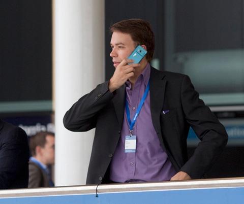 Một nhân viên của Nokia tại sự kiện của hãng mới kết thúc ở London. Ảnh: Nokia.
