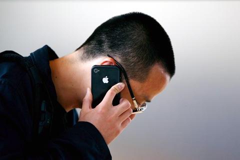 Một chiếc iPhone chạy CDMA dành cho Verizon sẽ ra mắt năm sau. Ảnh: Daylife.